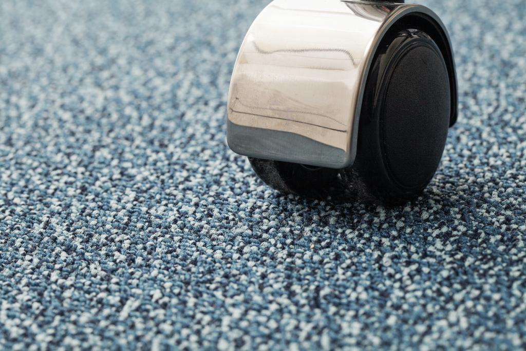 72_dpi_400B_CloseUp_carpet_Kaviar_170_BLUE_4
